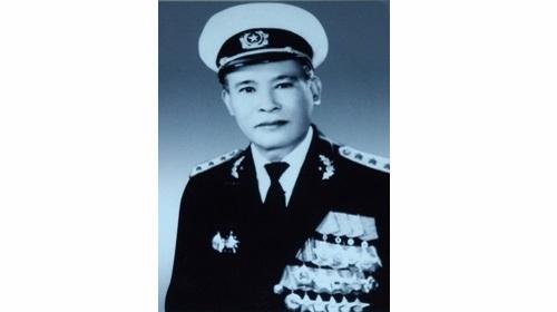 Chân dung Tư lệnh Hải quân, Đô đốc Giáp Văn Cương. ảnh tư liệu.