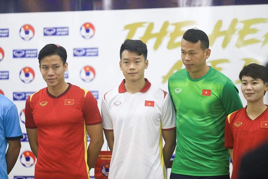 Đội tuyển bóng đá quốc gia Việt Nam ra mắt áo đấu mùa giải 2021