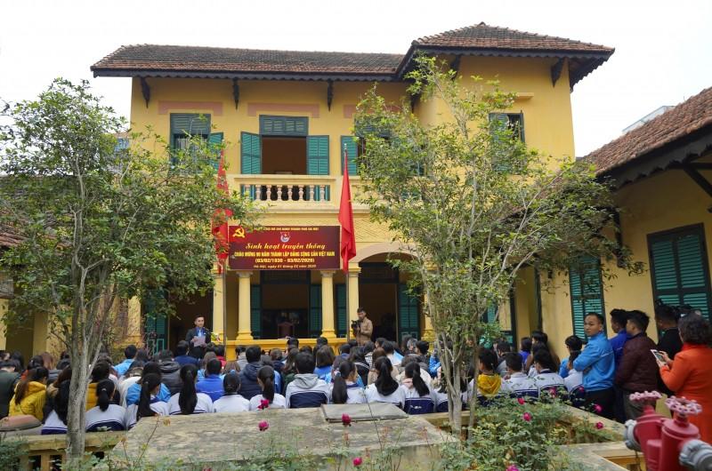 Tuổi trẻ Thủ đô sinh hoạt truyền thống tại Nhà lưu niệm Bác Hồ
