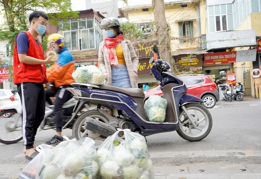 Giải cứu hàng chục tấn nông sản giúp nông dân Hải Dương