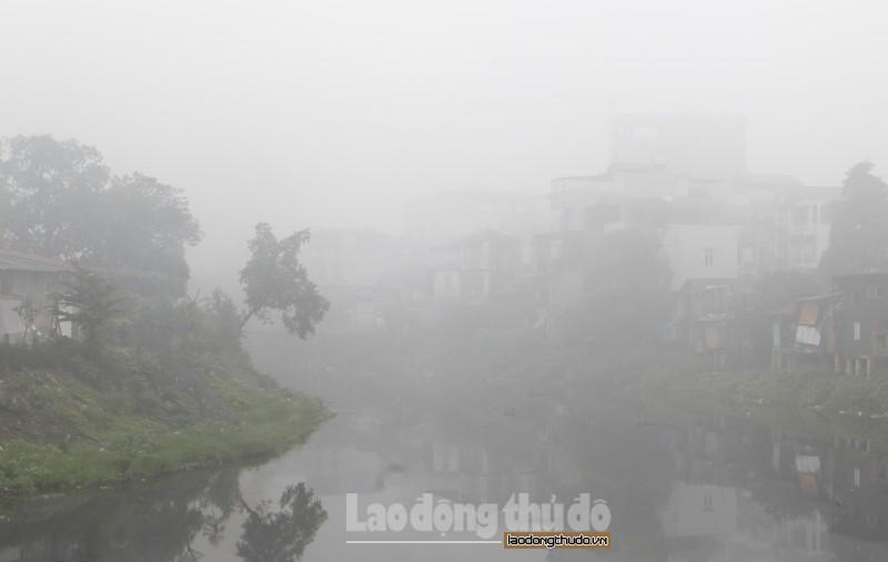 Sáng nay, Hà Nội chìm trong sương mù dày đặc