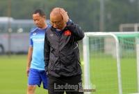 Việt Nam hủy trận giao hữu với Kyrgyzstan, thầy Park gặp khó