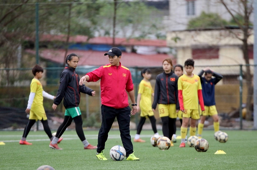 Ông Akira: Sẽ yêu cầu cao hơn cho Ban huấn luyện các đội tuyển bóng đá nữ Quốc gia