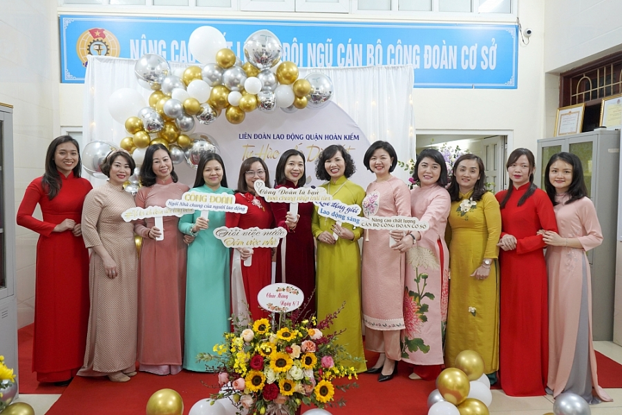 """Liên đoàn Lao động quận Hoàn Kiếm hưởng ứng """"Tuần lễ áo dài"""" năm 2021"""