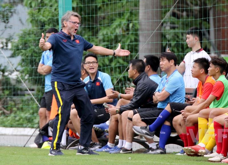 Ông Philippe Troussier hài lòng với tuyển U18 Việt Nam