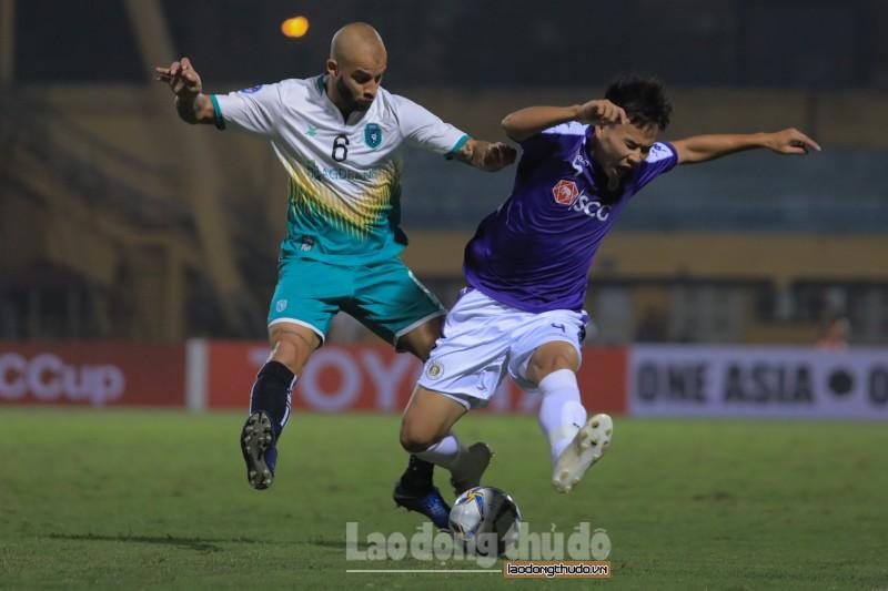 Bị quật ngã ngay trên sân nhà, Câu lạc bộ Hà Nội mất ngôi đầu bảng tại AFC Cup
