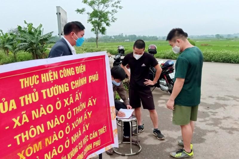 Huyện Thạch Thất nghiêm túc xử lý các hành vi không chấp hành biện pháp cách ly xã hội