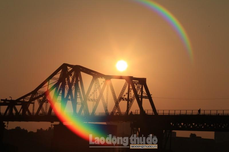 Cầu Long Biên, nét đẹp bình yên bên sông