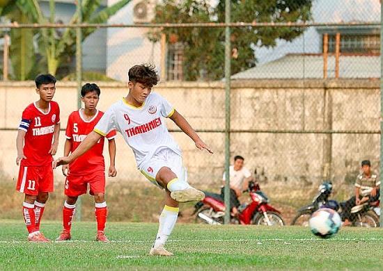 Vòng chung kết U19 Quốc gia 2021: Quốc Việt lập hattrick trận đầu ra quân