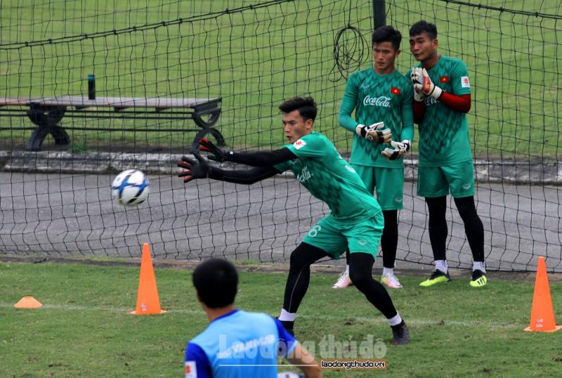 Bùi Tiến Dũng có mặt trong danh sách U23 Việt Nam đấu U23 Myanmar