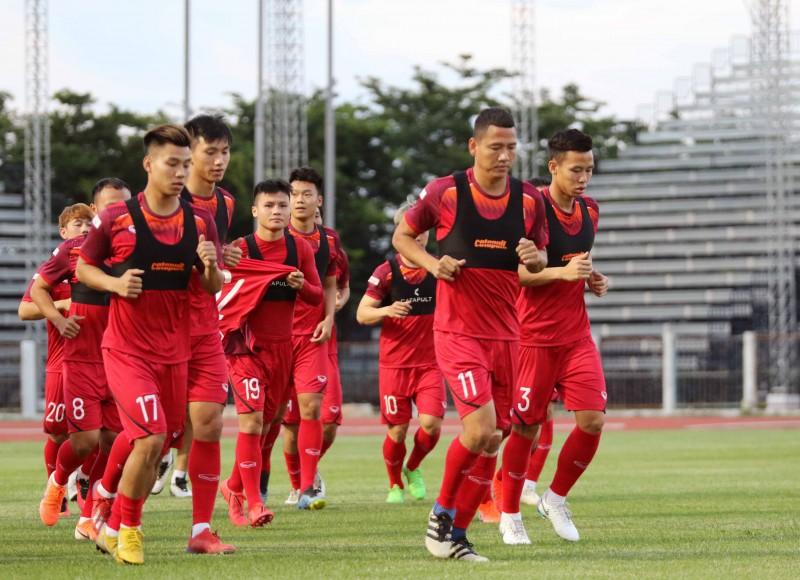 Buổi tập đầu tiên của đội tuyển Việt Nam tại Buriram, Thái Lan