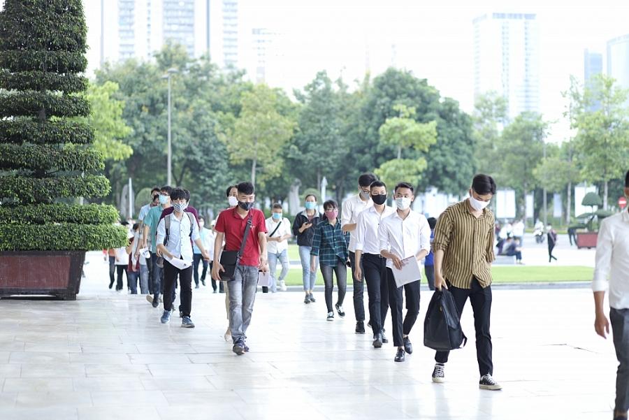 Hơn 2.000 kỹ sư, cử nhân dự tuyển kỳ thi GSAT vào Samsung