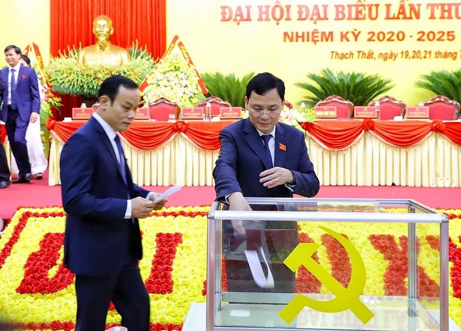 Đồng chí Phạm Quí Tiên tái đắc cử Bí thư Huyện ủy Thạch Thất