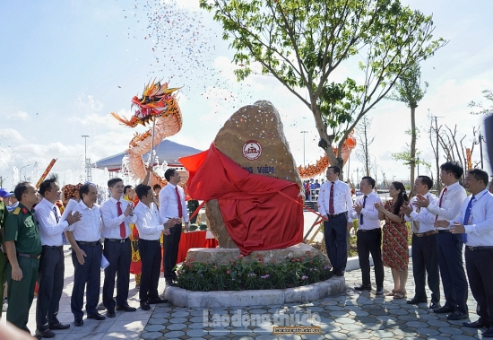 Huyện Thanh Oai gắn biển công trình chào mừng Đại hội Đảng bộ huyện lần thứ XXIII