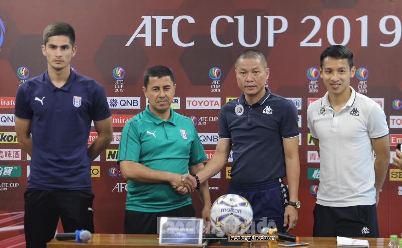 HLV Chu Đình Nghiêm: Đoàn Văn Hậu chắc chắn bỏ lỡ trận gặp Thái Lan