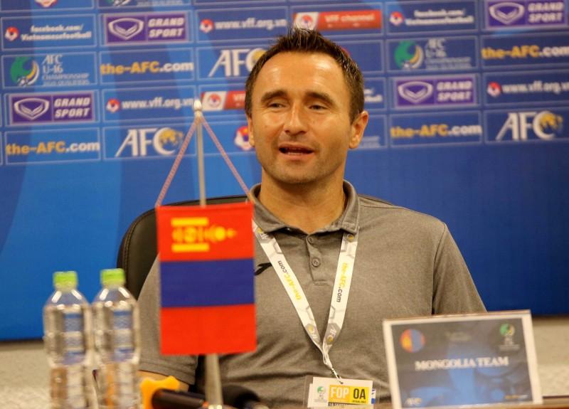 Thắng Mông Cổ 7-0, U16 Việt Nam vẫn còn mắc lỗi