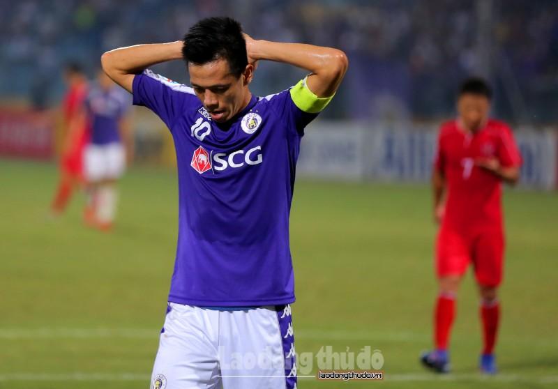 Bị cầm hòa trên sân nhà, Hà Nội FC tự làm khó mình