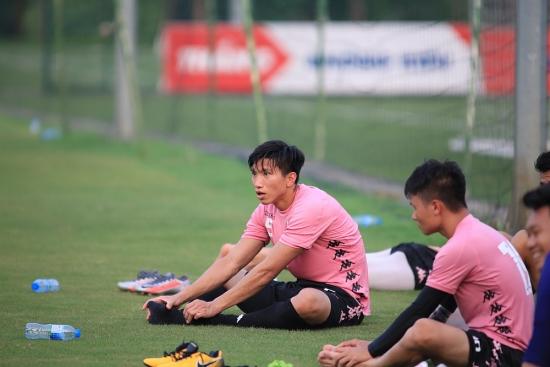 Đoàn Văn Hậu gặp chấn thương, khó khăn chồng chất cho đội bóng Thủ đô