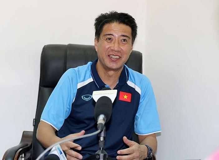 Ông Adachi: Bóng đá ở Việt Nam rất khác so với ở Nhật Bản