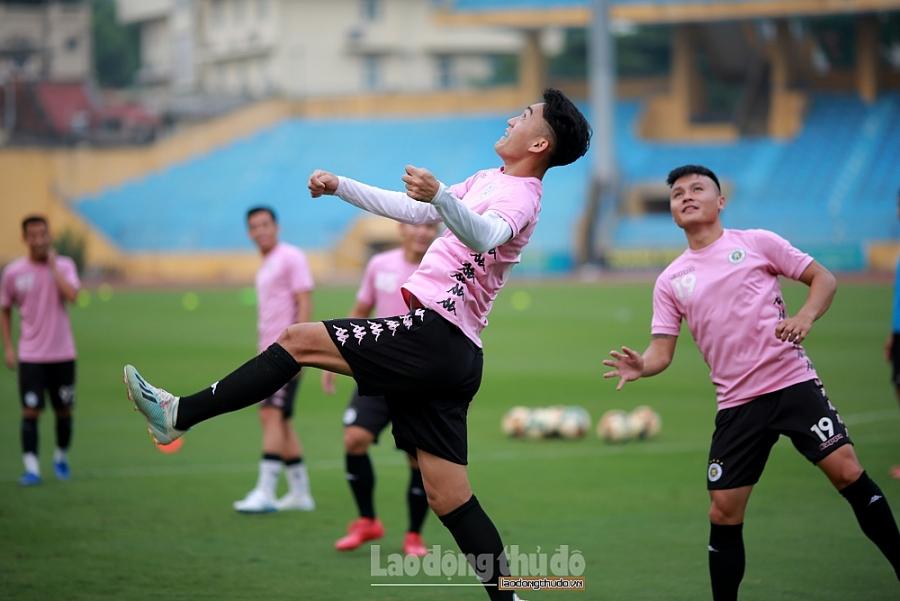 Các đội bóng lần lượt hội quân, chờ V-League trở lại