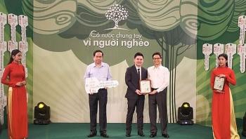 Câu lạc bộ Hà Nội ủng hộ 1 tỉ đồng cho Quỹ Vì người nghèo