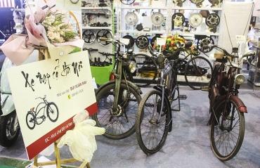 Hàng trăm mẫu xe ra mắt trong triển lãm xe hai bánh tại Hà Nội