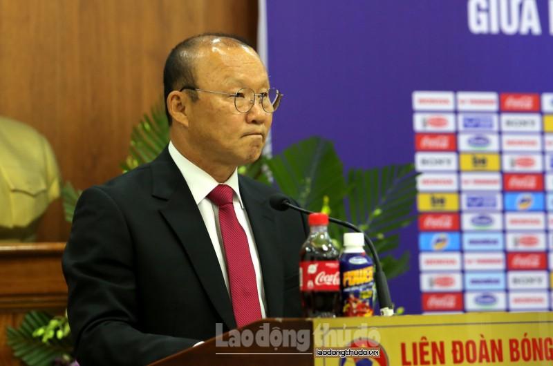 HLV Park Hang-seo: Tôi cảm thấy trách nhiệm nặng nề hơn ở bản hợp đồng mới