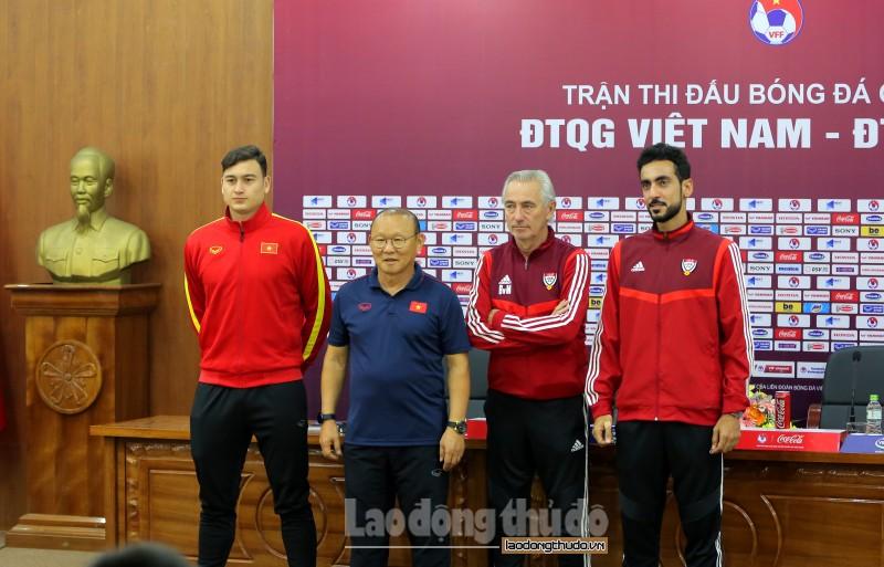 Huấn luyện viên UAE chúc đội tuyển Việt Nam may mắn