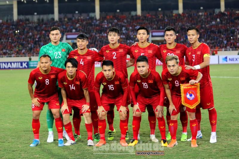 Bảng xếp hạng FIFA tháng 11: Việt Nam bỏ xa Thái Lan thêm 7 bậc