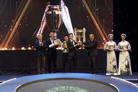 Dù không vô địch, Hà Nội FC vẫn bội thu giải thưởng ở V-League Awards 2020