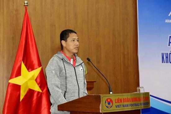 Rời Hoàng Anh Gia Lai, Anh Đức tham gia khóa đào tạo Huấn luyện viên