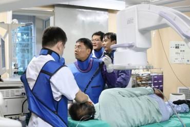 Lần đầu tiên thực hiện nội soi siêu âm dẫn lưu nang giả tụy vào dạ dày