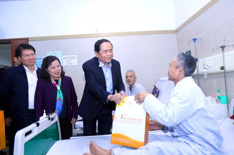 Tết ấm lòng với mỗi bệnh nhân ung thư nghèo