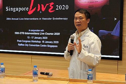 Trình diễn trực tuyến 2 ca can thiệp tim mạch phức tạp