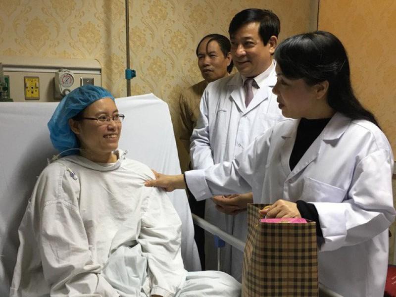 Bộ trưởng Bộ Y tế kiểm tra công tác trực cấp cứu