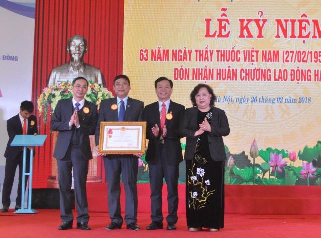 Bệnh viện Đa khoa Hà Đông: Đón nhận Huân chương Lao động hạng Nhì
