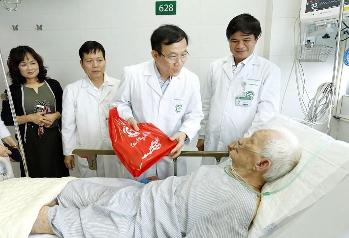 Bệnh viện Bạch Mai: Trực Tết 24/24 đảm bảo việc khám bệnh cho nhân dân