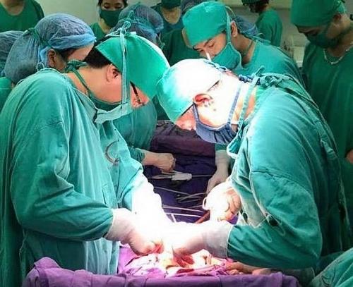 Các bệnh viện trực 24/24h: Đảm bảo cấp cứu bệnh nhân trong dịp nghỉ lễ