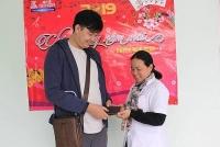 Nam điều dưỡng trả lại ví tiền cho người nhà bệnh nhân