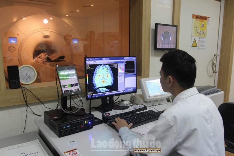 Ứng dụng công nghệ cao trong chẩn đoán và điều trị bệnh truyền nhiễm
