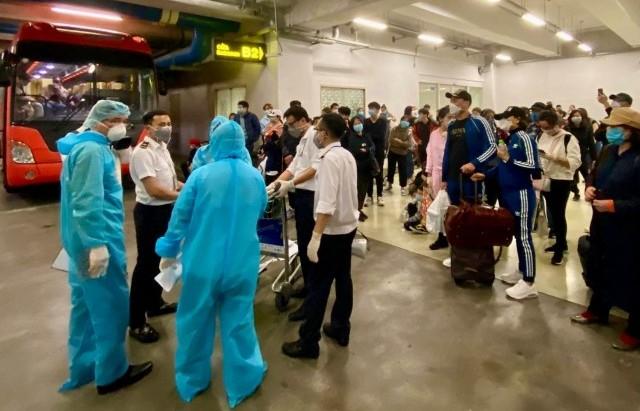 Kiểm tra công tác phòng dịch Covid-19 tại sân bay Nội Bài