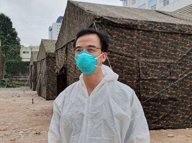 Bệnh viện Bạch Mai: Hơn 1.300 bệnh nhân nặng được y bác sĩ chăm sóc chu đáo