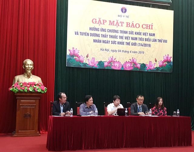 Bộ Y tế khuyến khích người Việt đi bộ 10.000 bước chân một ngày