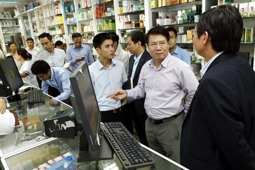 Hàng nghìn nhà thuốc tại Hà Nội nối mạng liên thông: Người dân được hưởng lợi