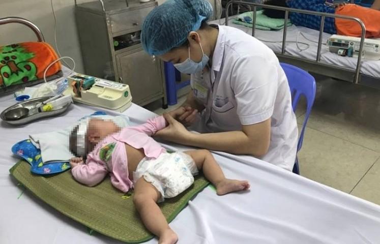 Chưa tiêm vắc xin nhiều trẻ mắc viêm não màng não nhập viện