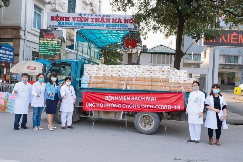 """Bệnh viện Bạch Mai """"tiếp lửa"""" cho Bệnh viện Thận Hà Nội chống dịch Covid-19"""