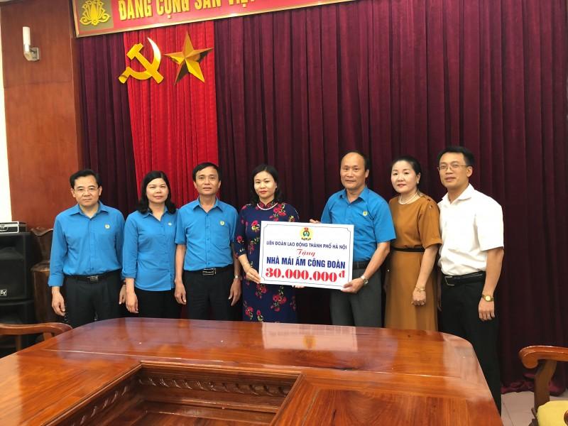 LĐLĐ TP Hà Nội tặng mái ấm công đoàn cho đoàn viên công đoàn tỉnh Nghệ An