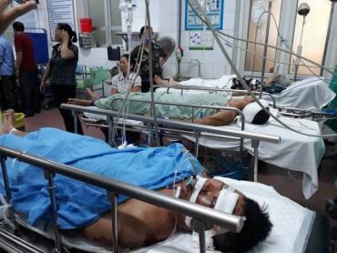 Tai nạn đường sắt kinh hoàng: Tài xế xe tải cấp cứu trong tình trạng nguy kịch