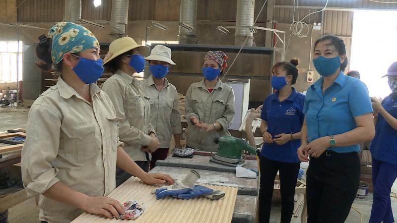 Huyện Ứng Hòa: Nhiều hoạt động thiết thực hướng về người lao động trong Tháng Công nhân