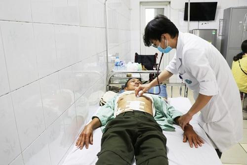Cứu sống bệnh nhân thủng tạng rỗng có bệnh lý tim mạch phức tạp
